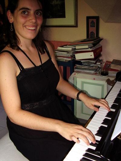 Elena-Piano2006.jpg